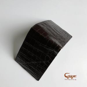 Ví da bụng cá sấu màu nâu đen mã VCCL951220C