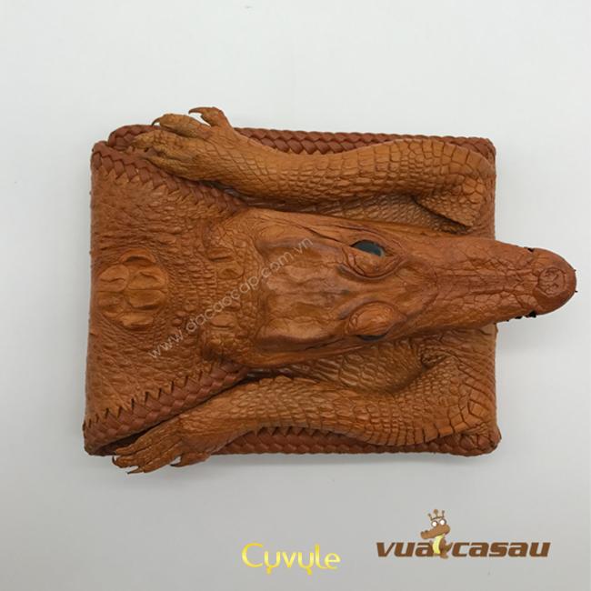Những sản phẩm độc đáo từ da cá sấu khiến nhiều người kinh ngạc - 41