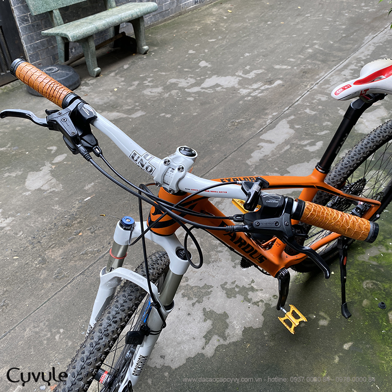 Tay nắm xe đạp bọc da cá sấu cao cấp tcb950 - 11