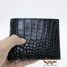 Ví da cá sấu da bụng màu đen