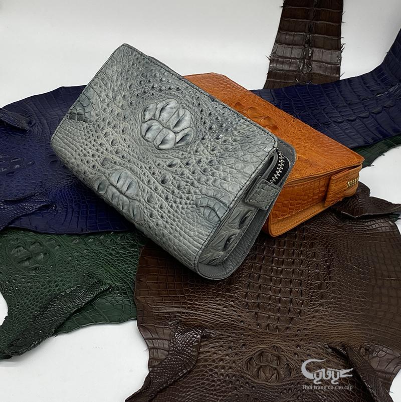 Những yếu tố quyết định khi mua ví cầm tay nam da cá sấu