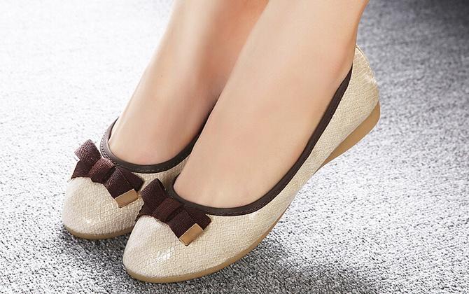 Chọn giày phù hợp cho bà bầu