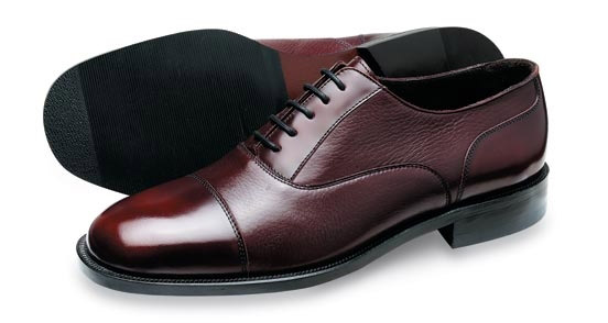 Bảo quản giày da dưới sự thay đổi của thời tiết