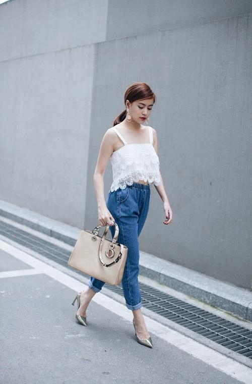 Phong cách thời trang dạo phố cực chất của hoàng thùy linh - 2
